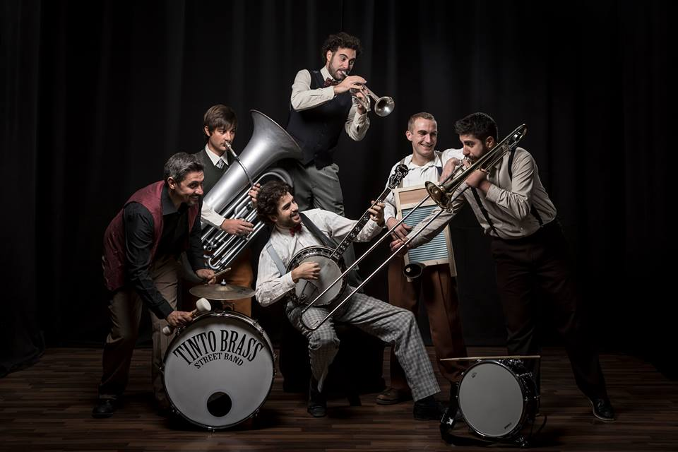 Tinto Brass Street Band, (ITA)